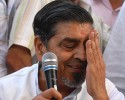 Hit man: Jagdish Tytler announcing the withdrawal of his candidature